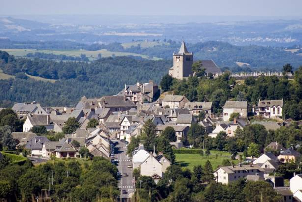 Laguiole Village and Knifes